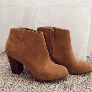 Tan booties AMAZING CONDITION